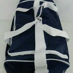 Fila Bags - NEW Fila BayWood Sports Duffle Gym Bag f638abf293587